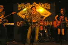 Гангста группа в Ритм-н-блюз кафе